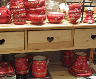 pottery red